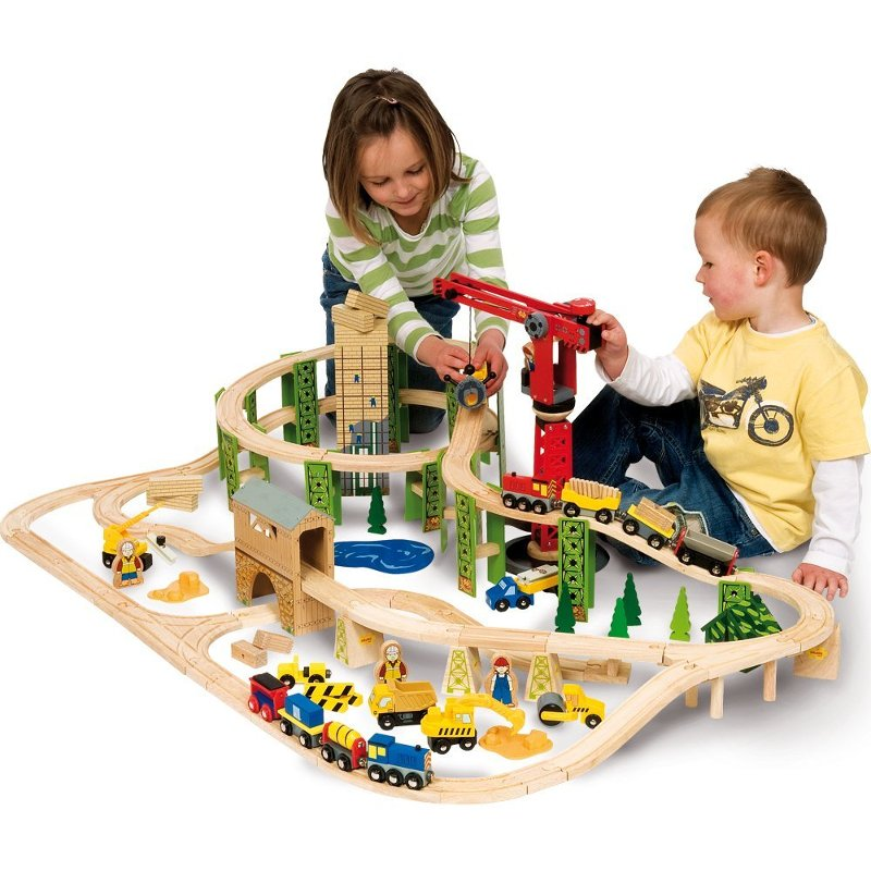 circuit de train en bois chantier chez les enfants. Black Bedroom Furniture Sets. Home Design Ideas