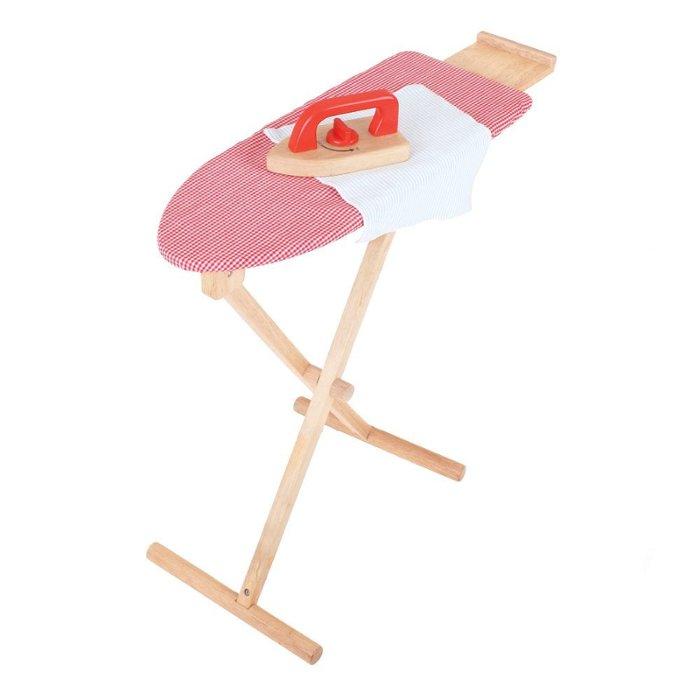 table 224 repasser en bois pour enfant chez les enfants