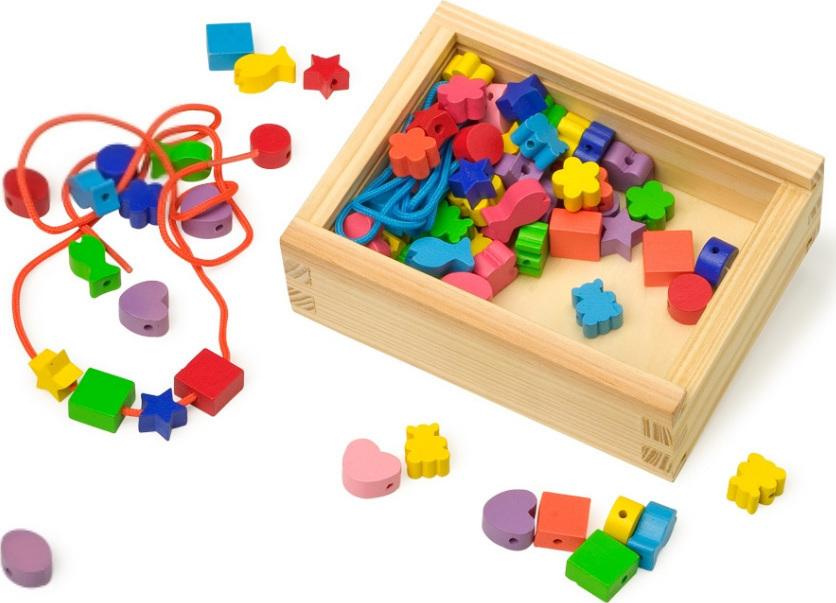 petit coffret de perles en bois color es chez les enfants. Black Bedroom Furniture Sets. Home Design Ideas