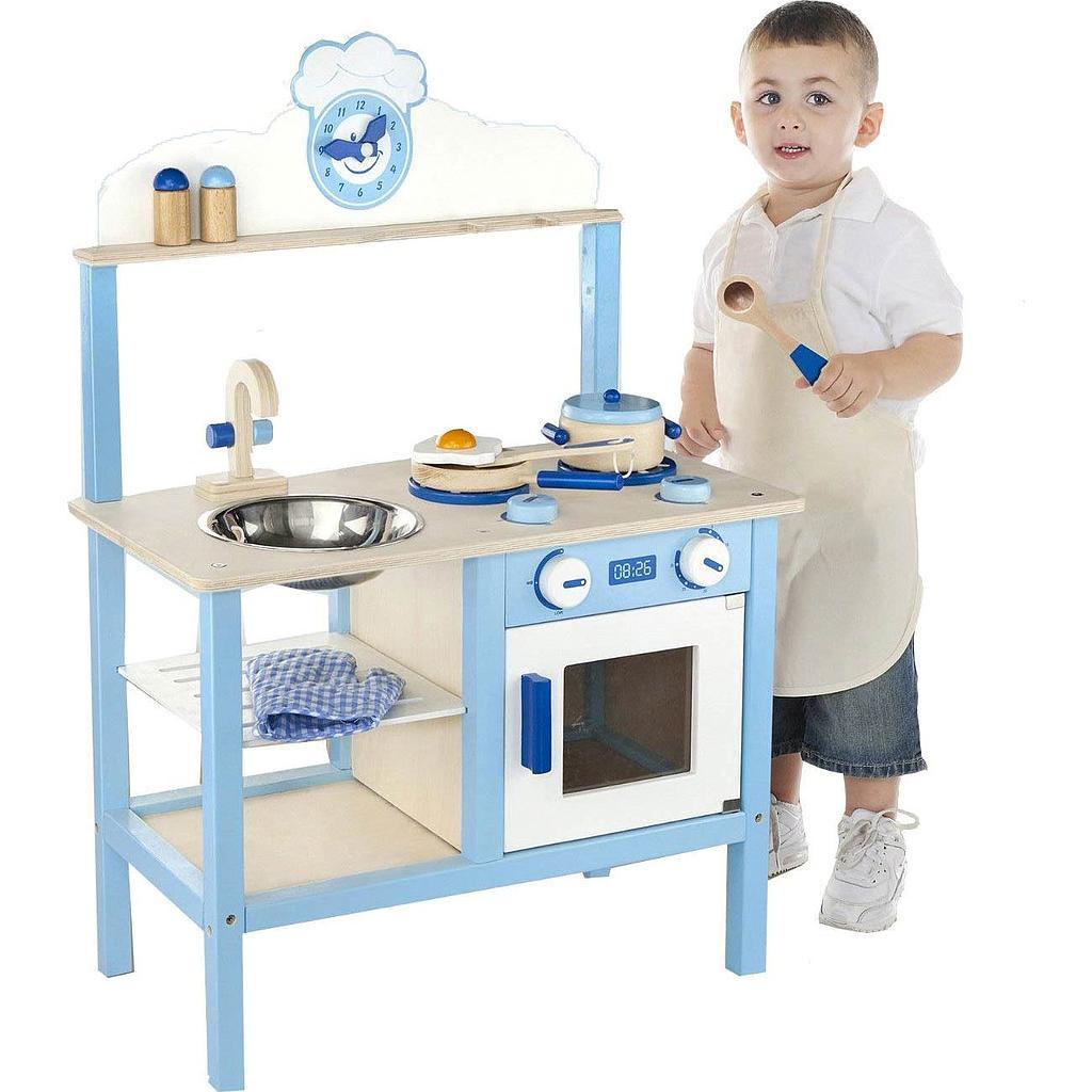 cuisine de d nette en bois mixte bleue chez les enfants. Black Bedroom Furniture Sets. Home Design Ideas